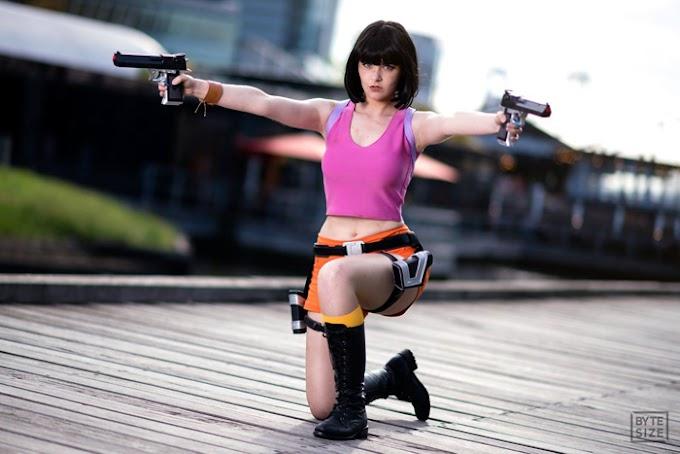 JusZ mezclando exploradoras con su cosplay de Dora Croft