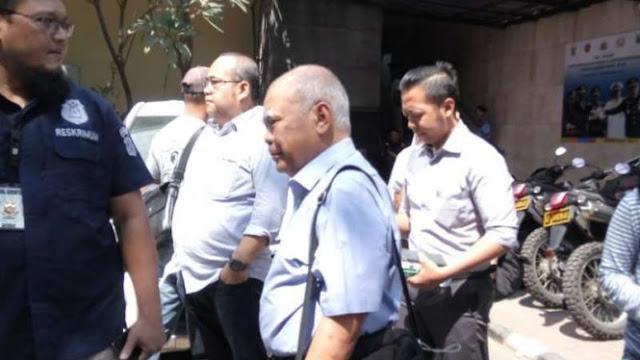 Dokter Bedah Plastik Ratna Sarumpaet Bungkam Usai Diperiksa Polisi