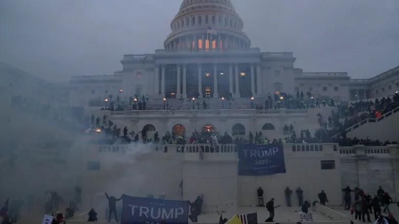 Imagen muestra la situacion del Capitolio en EE.UU. durante el ataque Pro-Trump
