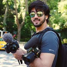 Mumbiker Nikhil youtuber Biography, Affair, Family, Weight, Height, Age, Wiki and salary