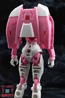 Transformers Kingdom Arcee 15