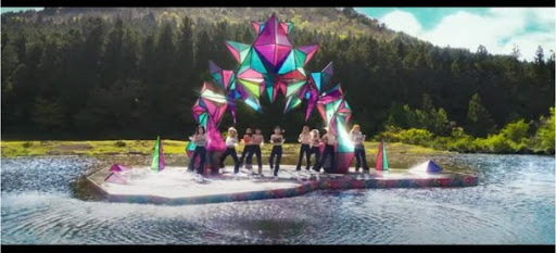 JYP, Twice'ın klibindeki 'portal' çalıntısı hakkında açıklama yaptı