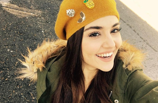Hande Ercel Cute Smile