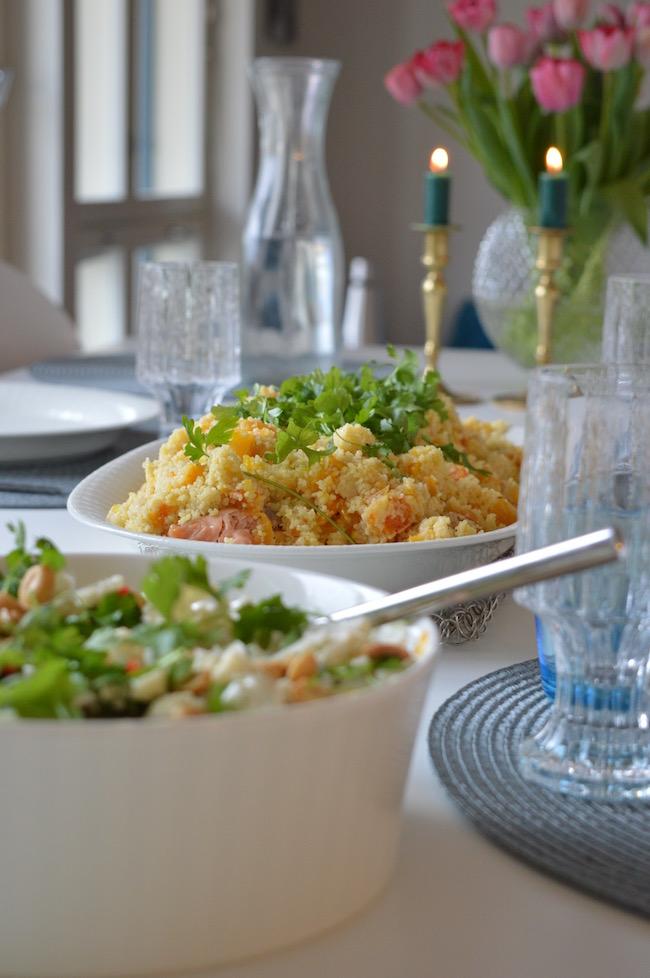uunilohi ja hedelmainen couscous