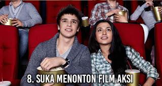 Suka Menonton Film Aksi akan membuat wanita lebih Menarik di Mata Pria