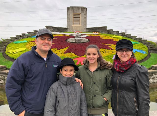 2017 Ford Edge Niagara Falls Floral Clock #FordFall