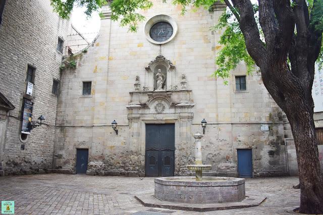 Plaça Sant Felip Neri en el barrio Gótico de Barcelona