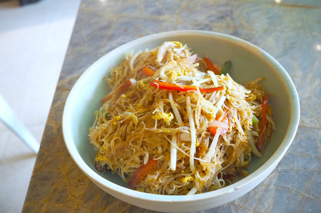 HK-style Singapore Fried Vermicelli Full of Luck Club review