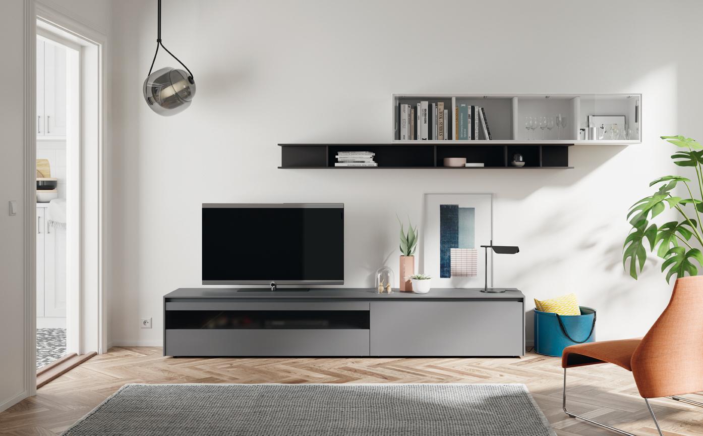 telewizor w kącie pokoju