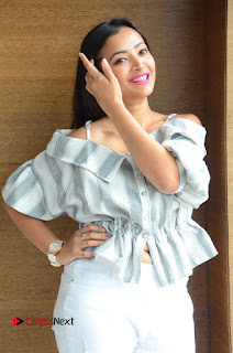 Shweta Basu Prasad Latest Pictures in White Ripped Jeans | ~ Bollywood and South Indian Cinema Actress Exclusive Picture Galleries