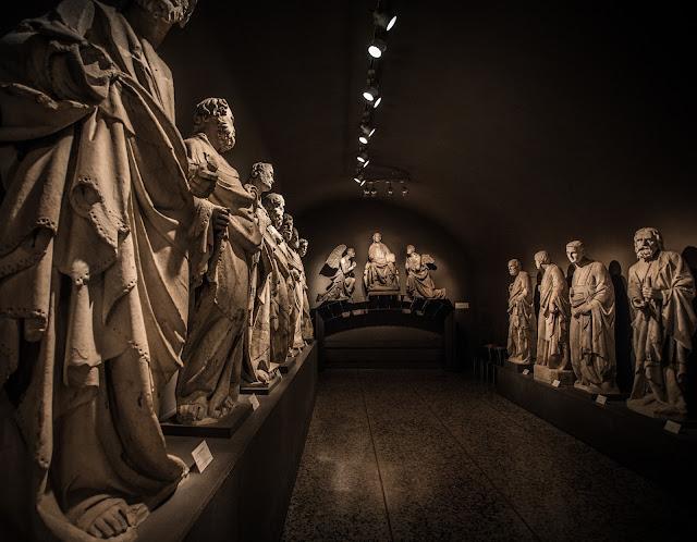 Esculturas de la catedral de Siena :: Canon EOS5D MkIII | ISO1600 | Canon 17-40@17mm | f74.0 | 1/8s