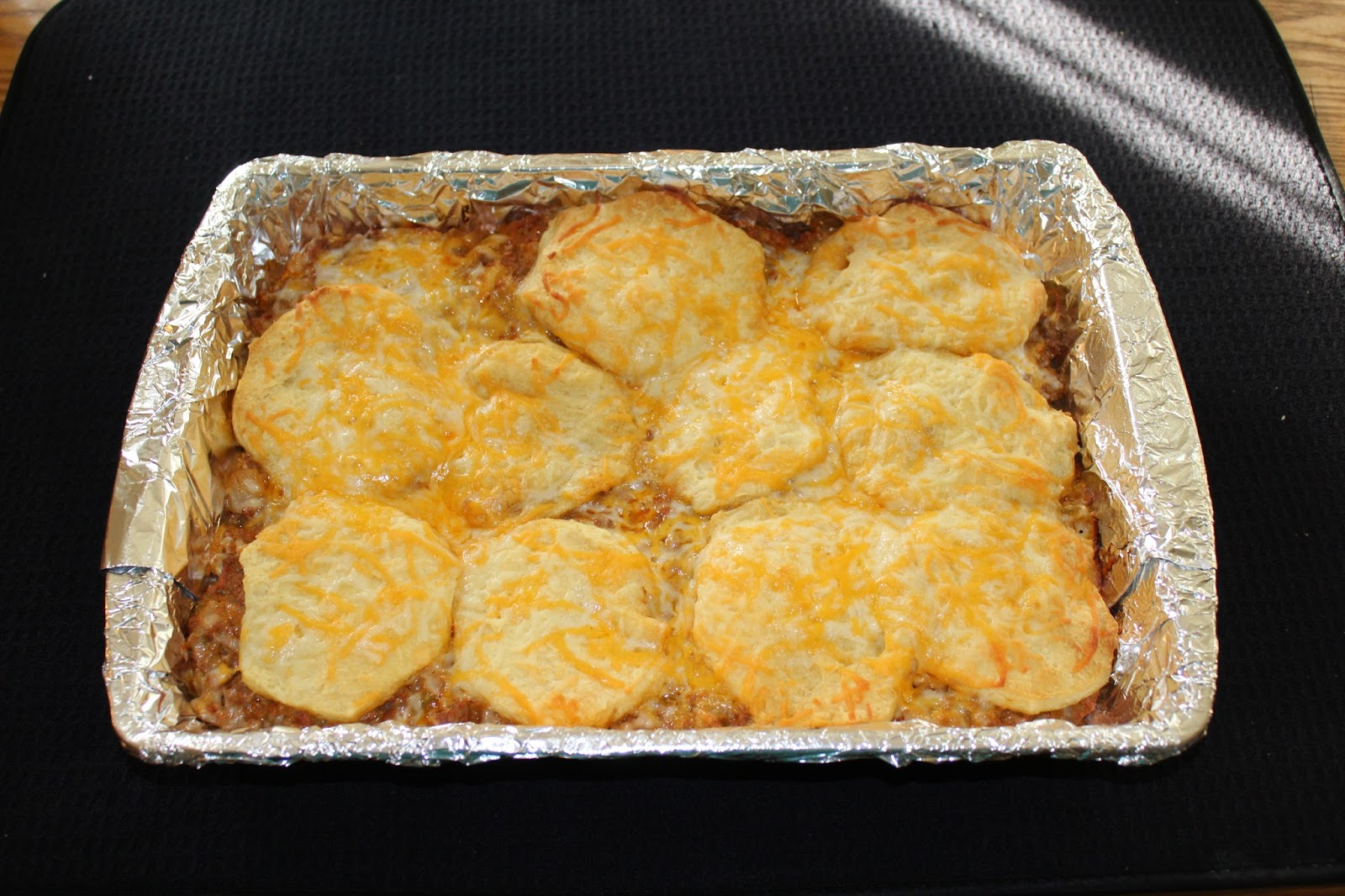 Beef-And-Biscuit Casserole Recipe - Tipsy Heelz