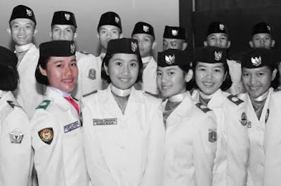 Pilot Wanita Pertama di TNI AD