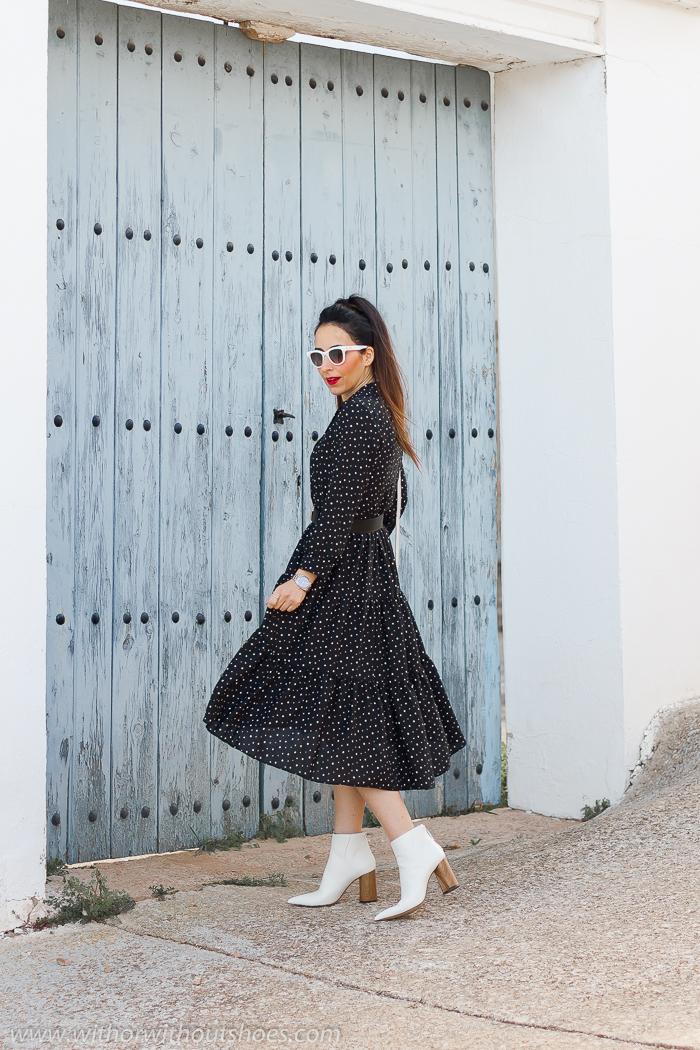 Cómo combinar vestido de lunares de Zara con botines blancos