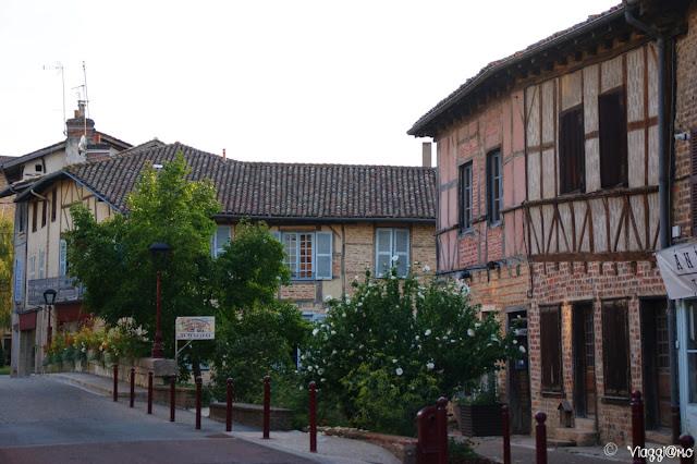 Una delle vie del centro storico di Chatillon sur Chalaronne