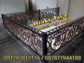 railing-balkon-besi-tempa-balkon-klasik-26