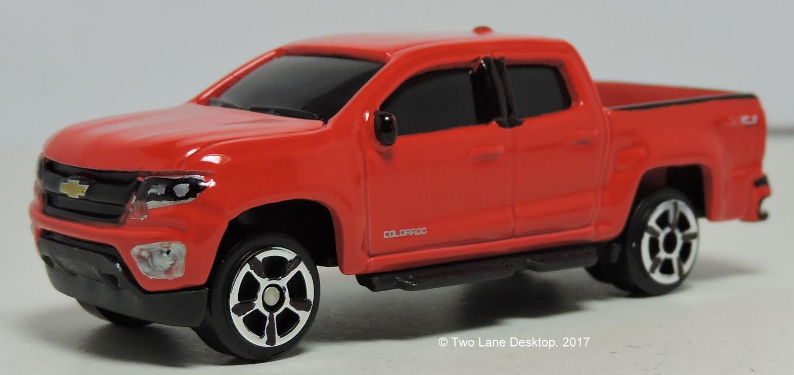 Two Lane Desktop Maisto 1 64 2015 Chevrolet Colorado
