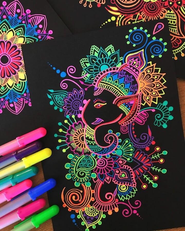 12-Mandala-and-Zentangle-Drawings-Simran-Savadia-www-designstack-co