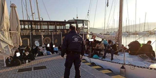 Τριάντα περίπου μετανάστες και οι τέσσερις Ουκρανοί διακινητές συνελήφθησαν τη νύχτα από άνδρες του Λιμενικού της Λευκάδας σε ιστιοπλοϊκό ανοιχτά του ακρωτηρίου Λευκάτα. Αυτή την ώρα βρίσκονται στο σκάφος που οδηγήθηκε και έχει δέσει στην παραλία της Λευκάδας.