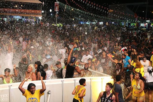 Festivités au Carnival Village