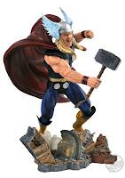 Diamond Select Marvel Comic Gallery Classic Thor PVC Diorama