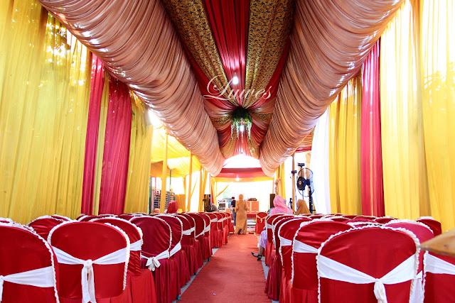 Tenda dekorasi pernikahan untuk resepsi pernikahan di rumah