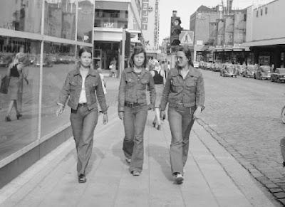 Ropa de moda y alta costura española, años 70