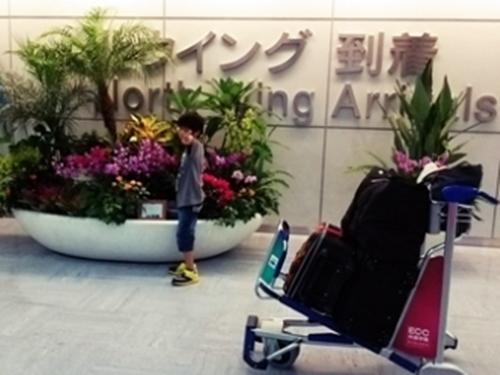 成田空港 到着ロビー