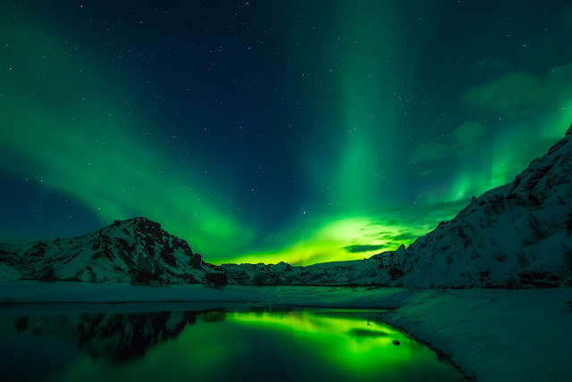 aurora boreal esverdeada no canada