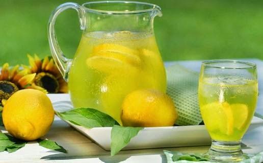 Manfaat Minum Air Lemon untuk Wanita