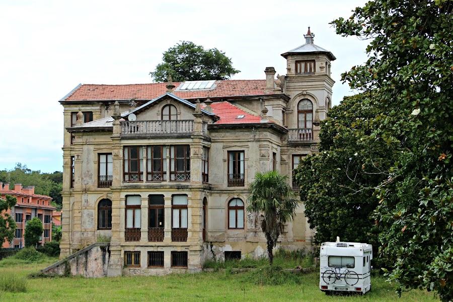 Casas de indianos en Colombres, Llanes y Ribadesella
