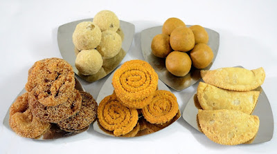 Homemade food items make healthy and thoughtful gifts for Diwali