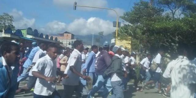 Saksi Mata: Perusuh Papua Banyak Pakai Seragam Sekolah tapi Brewokan