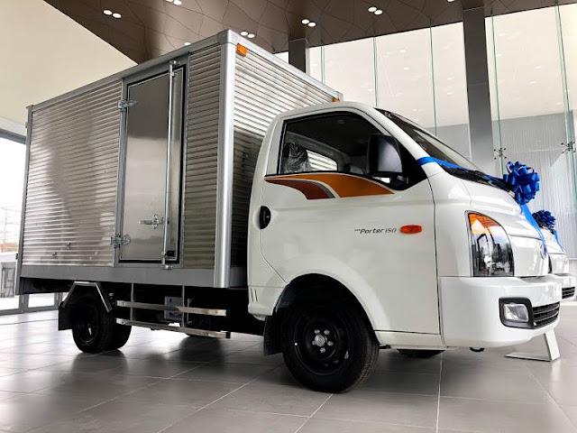Giá lăn bánh Hyundai H150 thùng kín