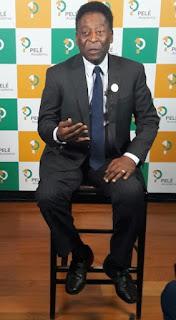Cotado para acender a pira olímpica, Pelé diz que está fora da Abertura