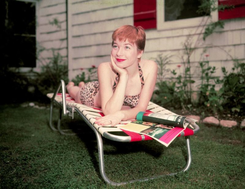 45 Beautiful Photos of Young Shirley MacLaine in the 1950s and 1960s