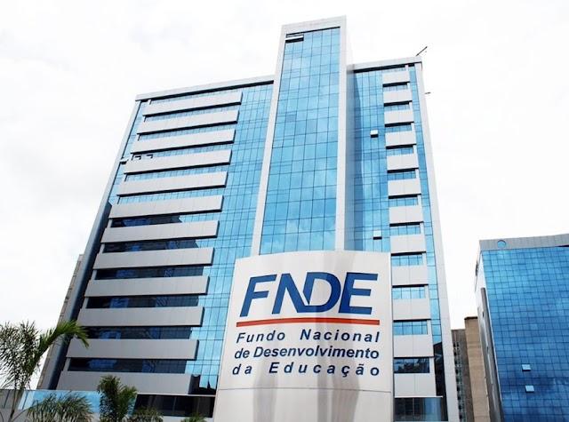 Governo nomeia nome do centrão para o FNDE