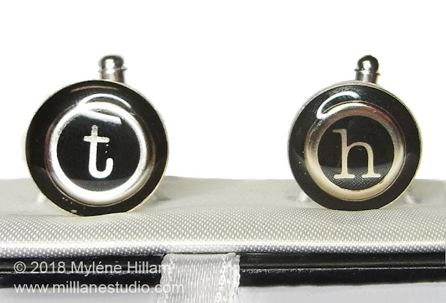 Round cufflinks with monograms