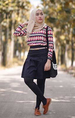Gambar Baju Casual Hijab Paduan Rok dan Celana