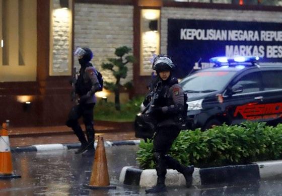 Kompolnas Kembali Soroti CCTV dan Prosedur Penggeledahan Pengunjung di Mabes Polri