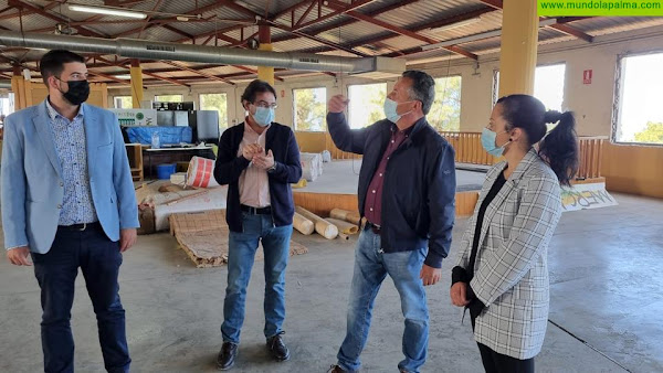 La remodelación de las instalaciones del Mercadillo del Agricultor de Puntagorda avanza sin detener su actividad