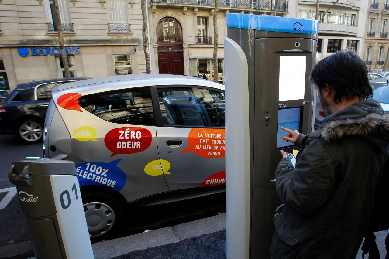 Paris Electric-Car Rental Plan Starts Today | Electric