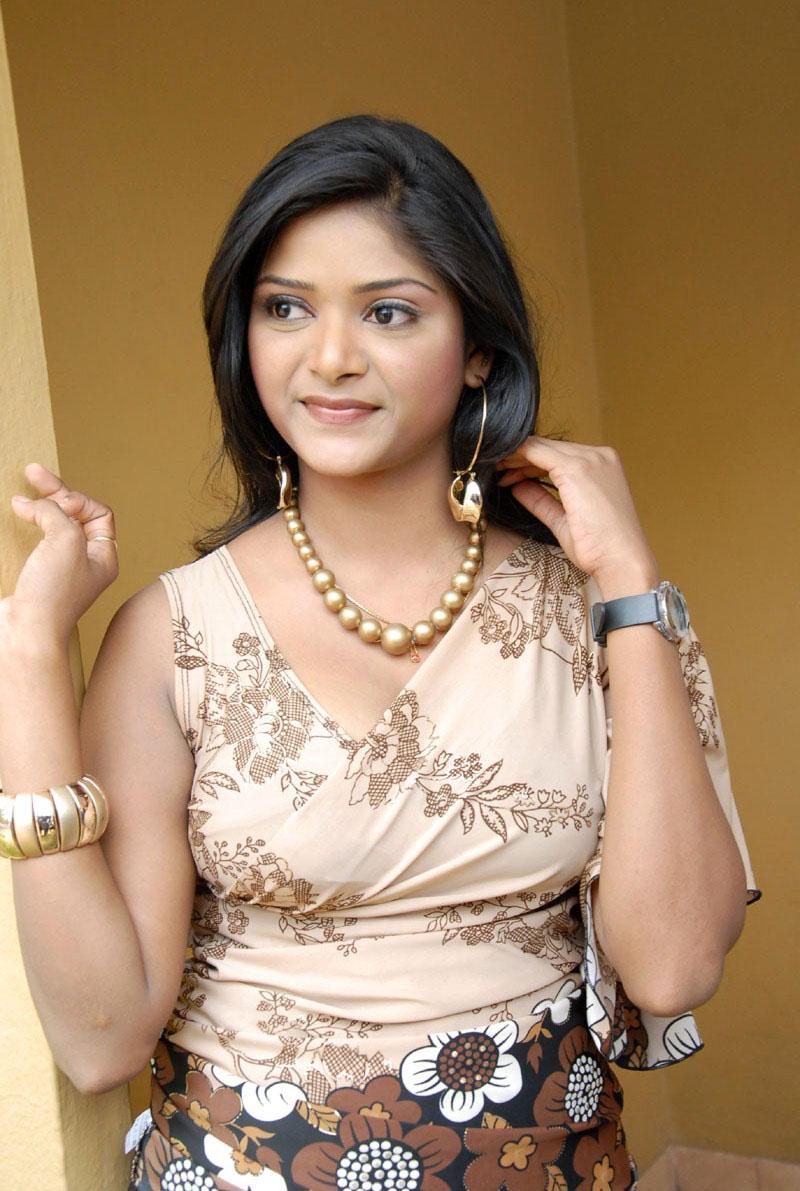 masala movie actress hot photos