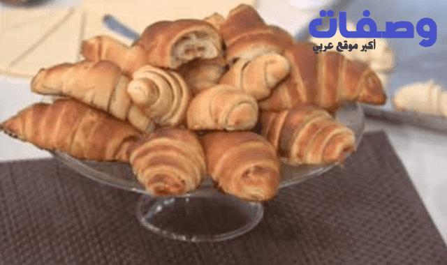 كرواسون فاطمه ابو حاتي