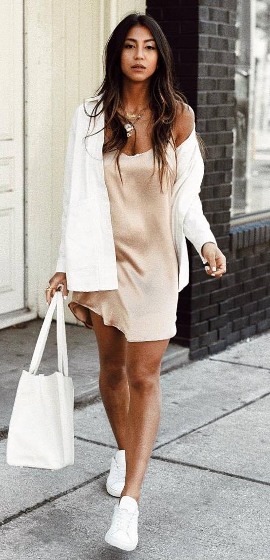 fashionable outfit / white cardi + silk dress + bag + sneakers