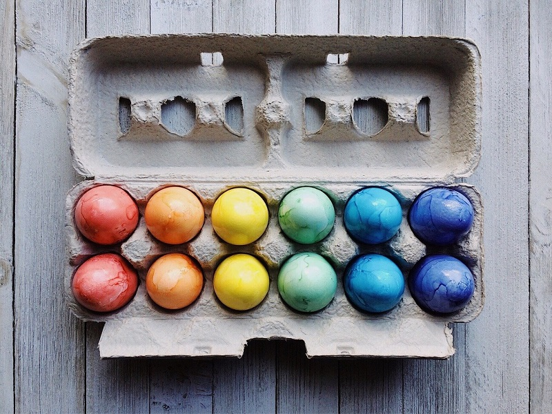 all the different ways to dye eggs for Easter