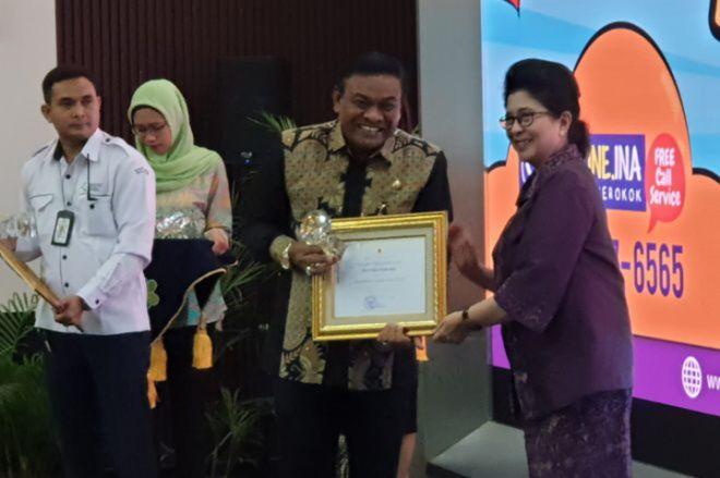 Bupati Bone Raih Penghargaan Pastika Parama dari Menteri Kesehatan