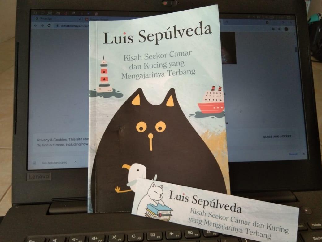 Resensi buku Kisah Seekor Camar dan Kucing yang Mengajarinya Terbang