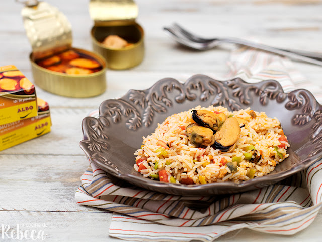 Ensalada de arroz con escabeche de mejillones