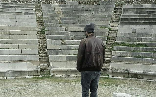 «Αντιγόνη» του Κωνσταντίνου Ντέλλα στο Μικρό Θέατρο Αρχαίας Επιδαύρου